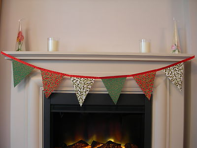 CHRISTMAS BUNTING - Red, Green, Cream 'Holly' & 'Stars' on Red Satin Ribbon - 1 metre (single sided)